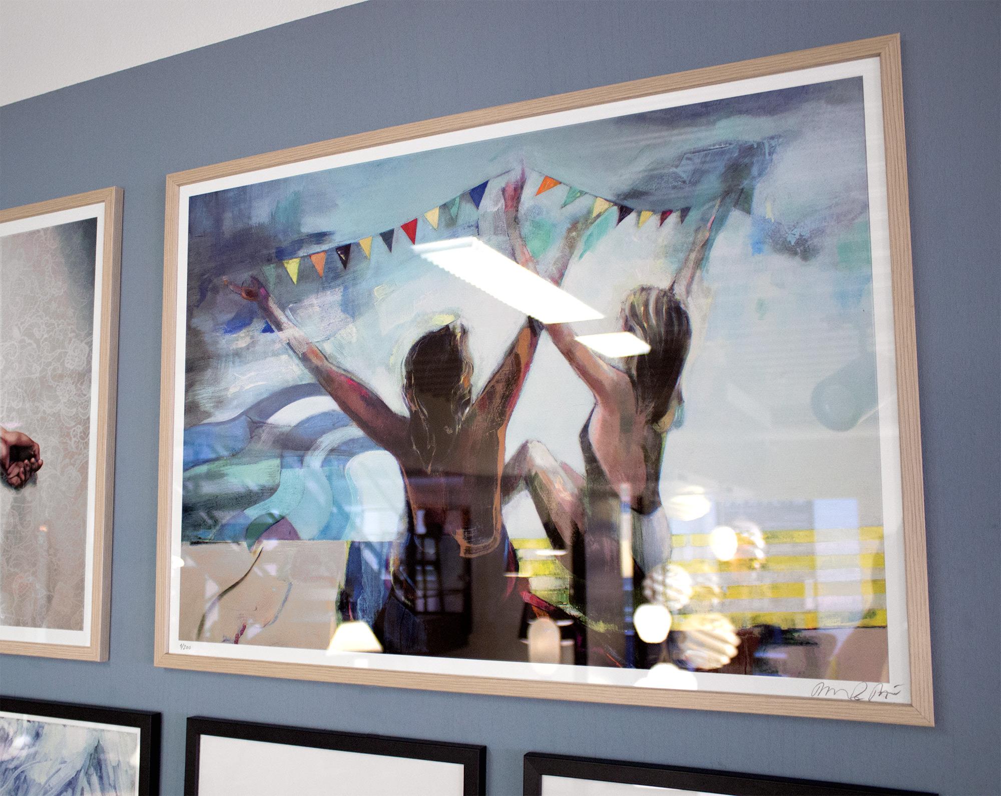 plakater-posters-kunsttryk, giclee-tryk, farverige, geometriske, grafiske, pop, portræt, kroppe, bevægelse, havet, mennesker, blå, turkise, gule, blæk, papir, strand, samtidskunst, dansk, design, kvindelig, interiør, bolig-indretning, moderne, moderne-kunst, pop-art, plakater, kvinder, Køb original kunst og kunstplakater. Malerier, tegninger, limited edition kunsttryk & plakater af dygtige kunstnere.