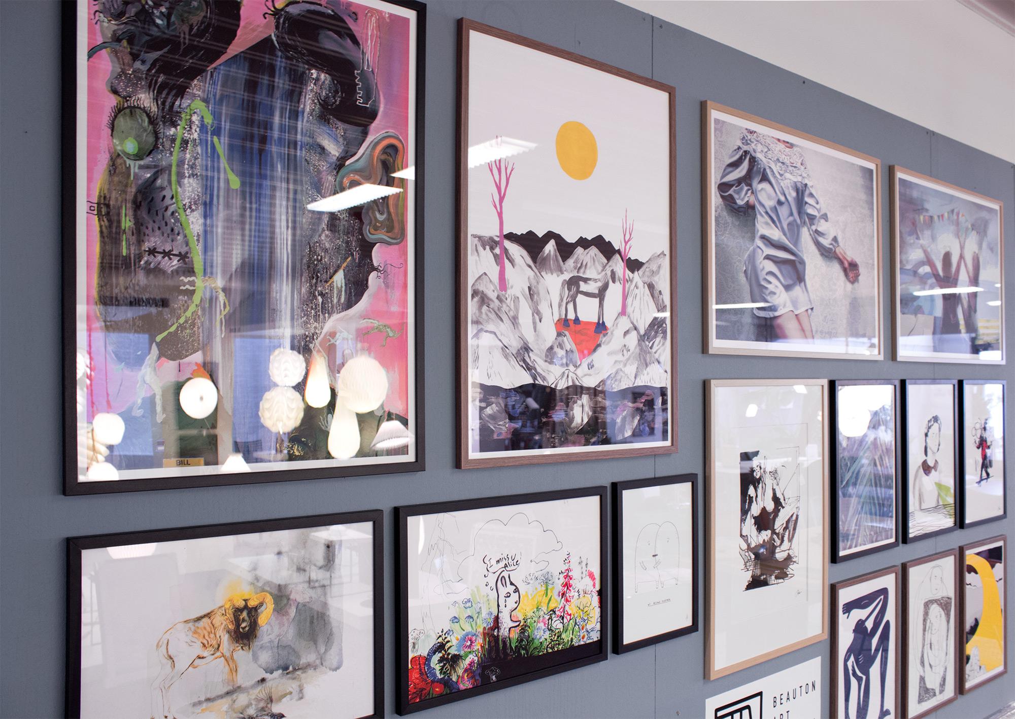 plakater-posters-kunsttryk, giclee-tryk, abstrakte, farverige, ekspressionistiske, botanik, stemninger, bevægelse, blå, grønne, pink, blæk, papir, abstrakte-former, samtidskunst, københavn, dansk, dekorative, design, ekspressionisme, ansigter, interiør, bolig-indretning, moderne, moderne-kunst, nordisk, skandinavisk, levende, Køb original kunst og kunstplakater. Malerier, tegninger, limited edition kunsttryk & plakater af dygtige kunstnere.