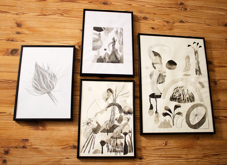 tegninger, akvareller, abstrakte, æstetiske, børnevenlige, illustrative, monokrome, botanik, mønstre, beige, sorte, hvide, papir, akvarel, abstrakte-former, smukke, sort-hvide, dekorative, design, blomster, interiør, bolig-indretning, planter, Køb original kunst og kunstplakater. Malerier, tegninger, limited edition kunsttryk & plakater af dygtige kunstnere.