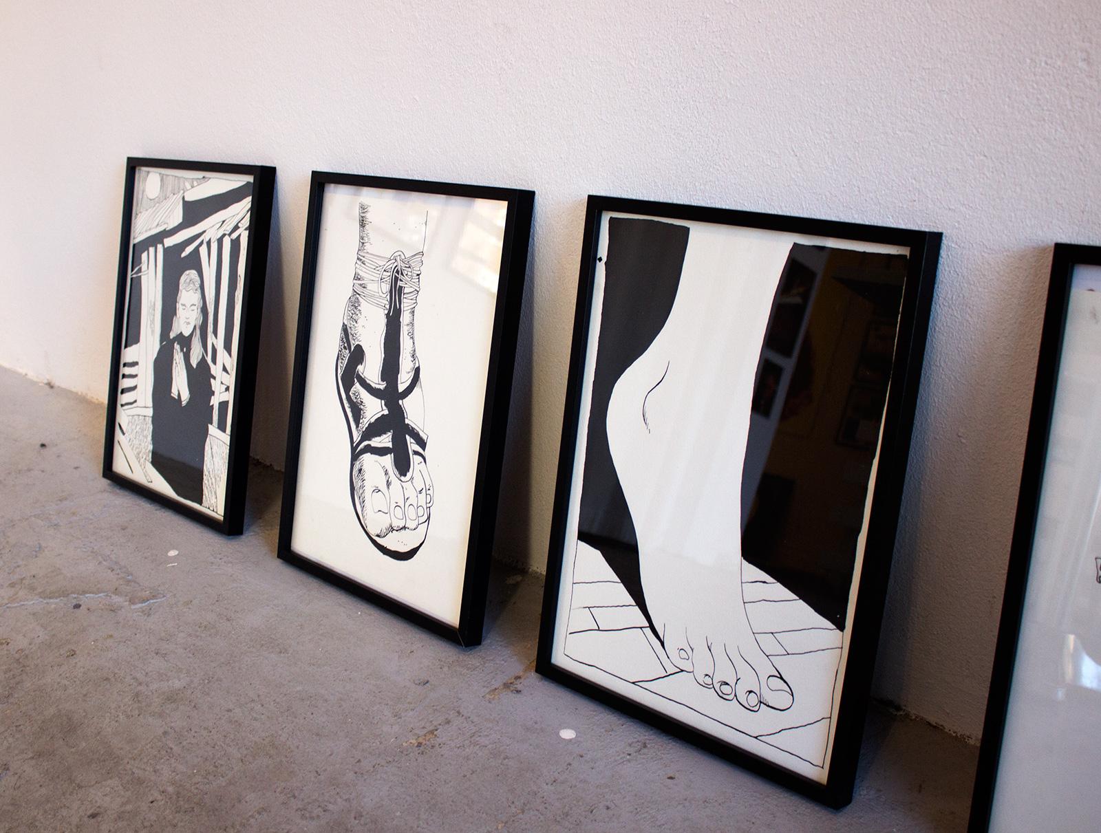 tegninger, æstetiske, figurative, illustrative, minimalistiske, monokrome, portræt, kroppe, mennesker, seksualitet, sorte, hvide, artliner, blæk, papir, tusch, smukke, sort-hvide, samtidskunst, københavn, dansk, dekorative, design, erotiske, interiør, bolig-indretning, kærlighed, moderne, moderne-kunst, nordisk, nøgen, plakater, romantiske, skandinavisk, former, Køb original kunst og kunstplakater. Malerier, tegninger, limited edition kunsttryk & plakater af dygtige kunstnere.