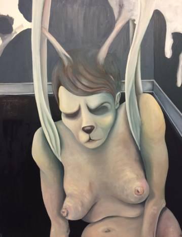 moderne kunst bolig indretning kvium nøgen kvinde spændetrøje