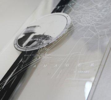 fotografier, collager, andre-kunstværker, abstrakte, æstetiske, arkitektur, mønstre, sorte, grå, hvide, akryl, andre-medier, abstrakte-former, arkitektoniske, bygninger, samtidskunst, københavn, dansk, design, interiør, bolig-indretning, moderne, nordisk, street-art, Køb original kunst og kunstplakater. Malerier, tegninger, limited edition kunsttryk & plakater af dygtige kunstnere.