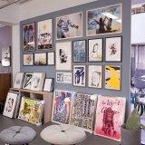 plakater-posters-kunsttryk, giclee-tryk, farverige, børnevenlige, grafiske, illustrative, monokrome, pop, kroppe, tegneserier, humor, mennesker, typografi, pink, lillae, røde, blæk, papir, sjove, drenge, samtidskunst, dansk, dekorative, design, ansigter, interiør, bolig-indretning, moderne, moderne-kunst, nordisk, skandinavisk, Køb original kunst og kunstplakater. Malerier, tegninger, limited edition kunsttryk & plakater af dygtige kunstnere.
