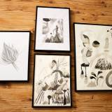 tegninger, gouache, akvareller, æstetiske, børnevenlige, landskab, monokrome, botanik, beige, sorte, hvide, papir, akvarel, abstrakte-former, smukke, sort-hvide, dekorative, design, blomster, interiør, bolig-indretning, planter, flotte, vand, Køb original kunst og kunstplakater. Malerier, tegninger, limited edition kunsttryk & plakater af dygtige kunstnere.