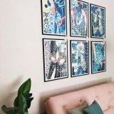 plakater, gicleé, farverige, figurative, grafiske, portræt, kroppe, mønstre, religion, sorte, blå, gule, blæk, papir, smukke, dansk, dekorative, design, kvindelig, interiør, bolig-indretning, naturlig, naturealistiske, nordisk, romantiske, skandinavisk, levende, kvinder, Køb original kunst og kunstplakater. Malerier, tegninger, limited edition kunsttryk & plakater af dygtige kunstnere.