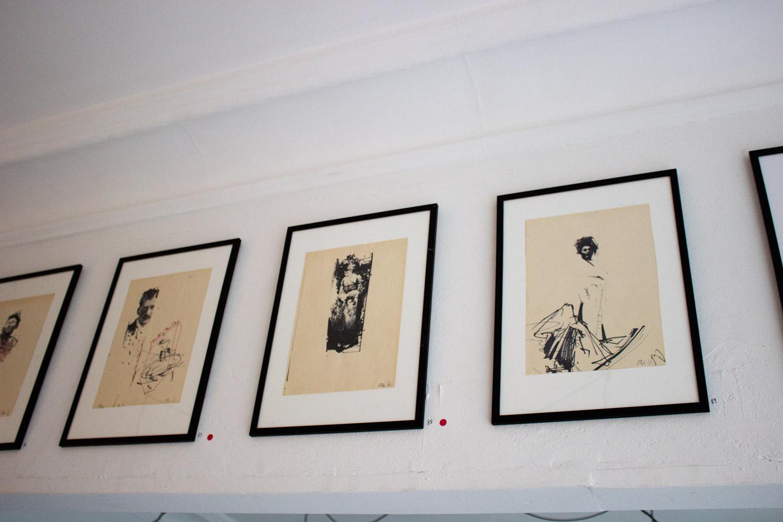 tegninger, abstrakte, ekspressionistiske, figurative, minimalistiske, portræt, kroppe, mennesker, beige, sorte, hvide, artliner, papir, tusch, abstrakte-former, samtidskunst, dansk, interiør, bolig-indretning, moderne, moderne-kunst, nordisk, skandinavisk, kvinder, Køb original kunst og kunstplakater. Malerier, tegninger, limited edition kunsttryk & plakater af dygtige kunstnere.