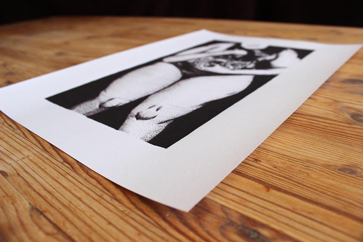 kunsttryk, gliceé, figurative, monokrome, portræt, kroppe, sorte, hvide, blæk, papir, sort-hvide, samtidskunst, dansk, design, interiør, bolig-indretning, moderne, moderne-kunst, nordisk, plakater, tryk, skandinavisk, Køb original kunst og kunstplakater. Malerier, tegninger, limited edition kunsttryk & plakater af dygtige kunstnere.